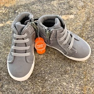Wonder nation gray sneakers